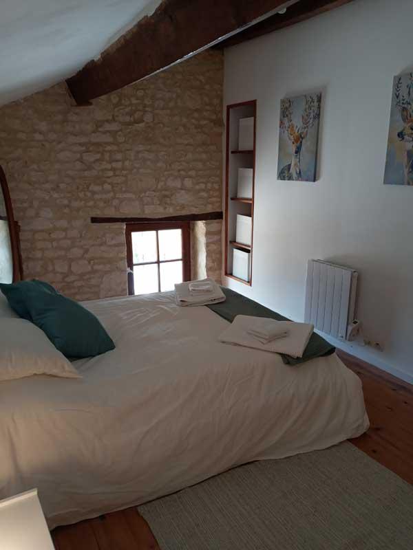 pear tree gite - bedroom