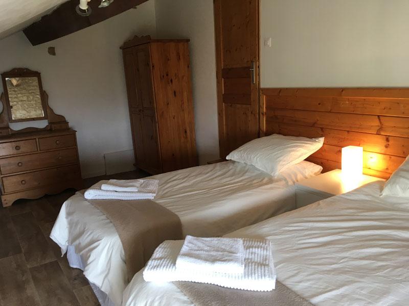 Pear Tree twin bedroom